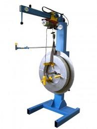 Wanzke A-GM-500 Ab- und Aufwickelhaspel mit elektrischem Hebezeug zum beladen der Haspel mit Coilmaterial.