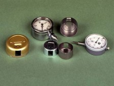 Gehäuse für Manometer, Thermometer und Messuhren, hergestellt auf Wanzke Transferpressen