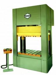 Universelle Werkstattpresse TYP WP-200, ist eine Maschine für den universalen Einsatz im Werkzeugbau. Sie ist auch eine Tuschierpresse. Mit der WP-200 Presse können alle Werkzeugparameter ermittelt werden.